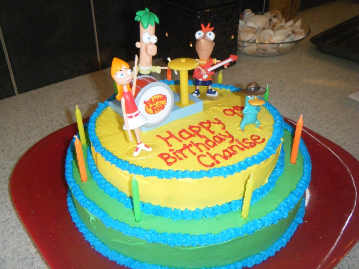 A very neat Phineas and Ferb cake!!