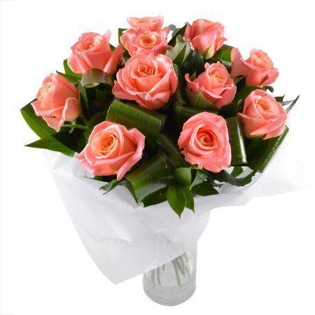 Пленительный букет для яркой красавицы. В нем собрано 11 коралловых роз с тонким ароматом.