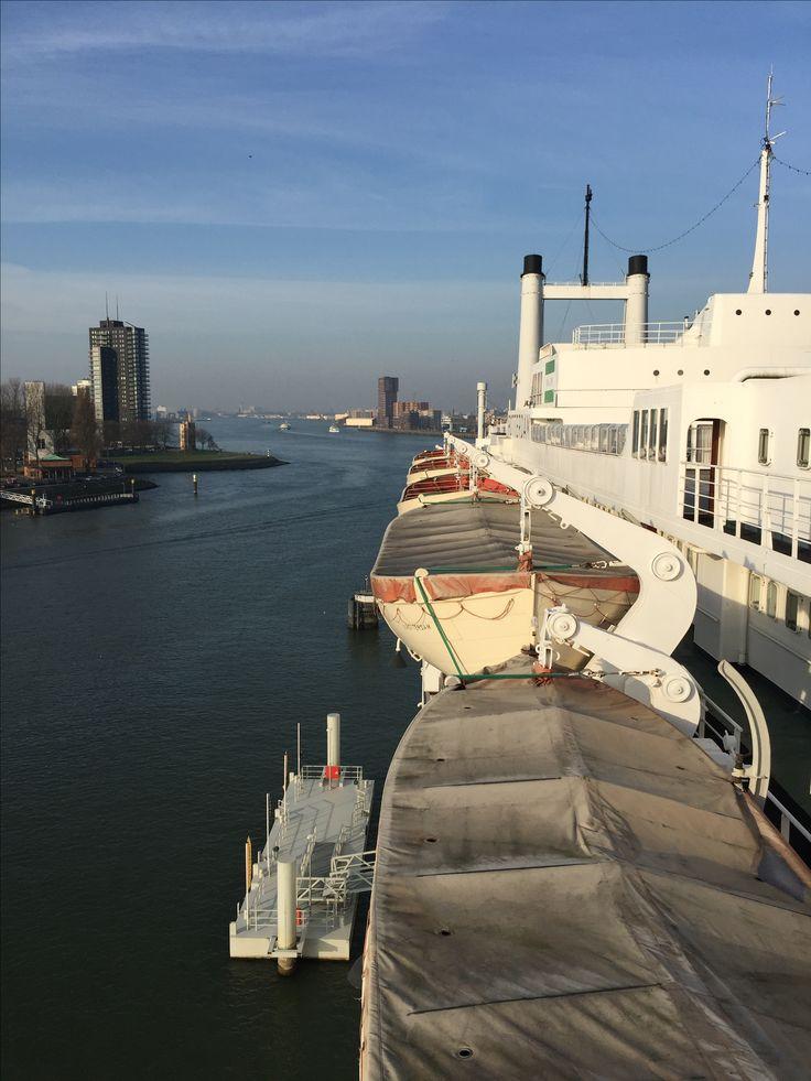 Hotel s.s. Rotterdam op een winterse dag #Rotterdam #Katendrecht
