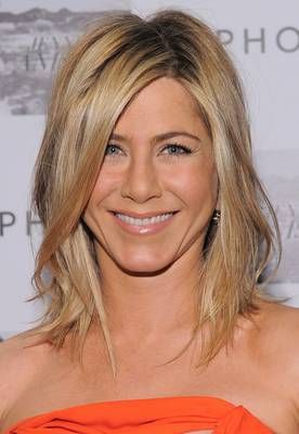 Who doesn't want to look like Jennifer Aniston, but I would settle for this haircut. Damn You J.A. and your great hair cuts!Hair Colors, Jennifer Aniston, Medium Lengths, Medium Hair Style, Medium Length Hairstyles, Hair Cut, Medium Length Haircuts, Long Bobs, Medium Hairstyles