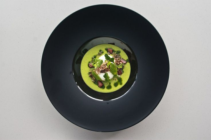 63 deg C Poached Egg, Minted Garden Peas Emulsion, Sourdough & Black Truffle Crumbs #recipe #food #appetizer #egg http://www.mouthfool.com/2014/05/63o-c-poached-egg-minted-garden-peas-emulsion-sourdough-and-black-truffle-crumbs/