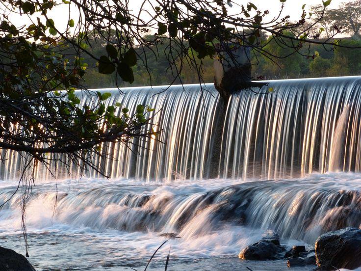 Wasserfall im Norden Sambias - den Fließeffekt des Wassers erhält man durch die Verwendung eines Graufilters