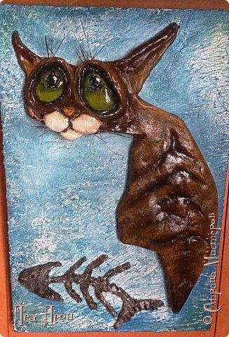 Картина панно рисунок Лепка Подайте бедному коту еще рыбки что вам жалко?  /Кот и Маат/ Тесто соленое фото 1