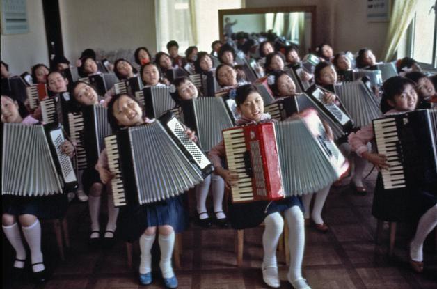 Magnum Photos Photographer Portfolio - NORTH KOREA. Pyongyang.1982. Children at Pyongyang Student and Children's Palace. - Hiroji Kubota