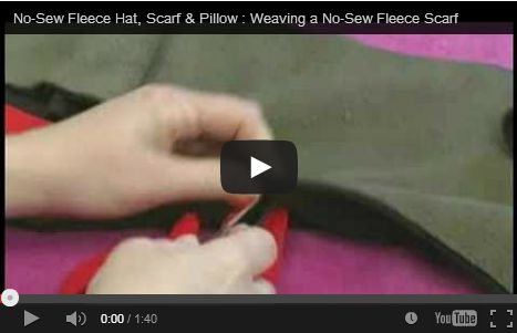 Come fare una sciarpa in pile senza cucire http://hobby.donnatrendy.com/come-fare-una-sciarpa-in-pile-senza-cucire/537/