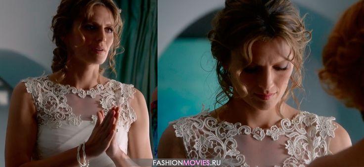 На Кейт Беккет свадебное платье от итальянского дизайнера Альберты Ферретти (Alberta Ferretti)
