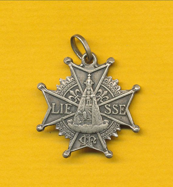 Antique Silver alloy Cross form Religious Medal Our of Liesse - Crucifixion - Lily flowers (ref0244)