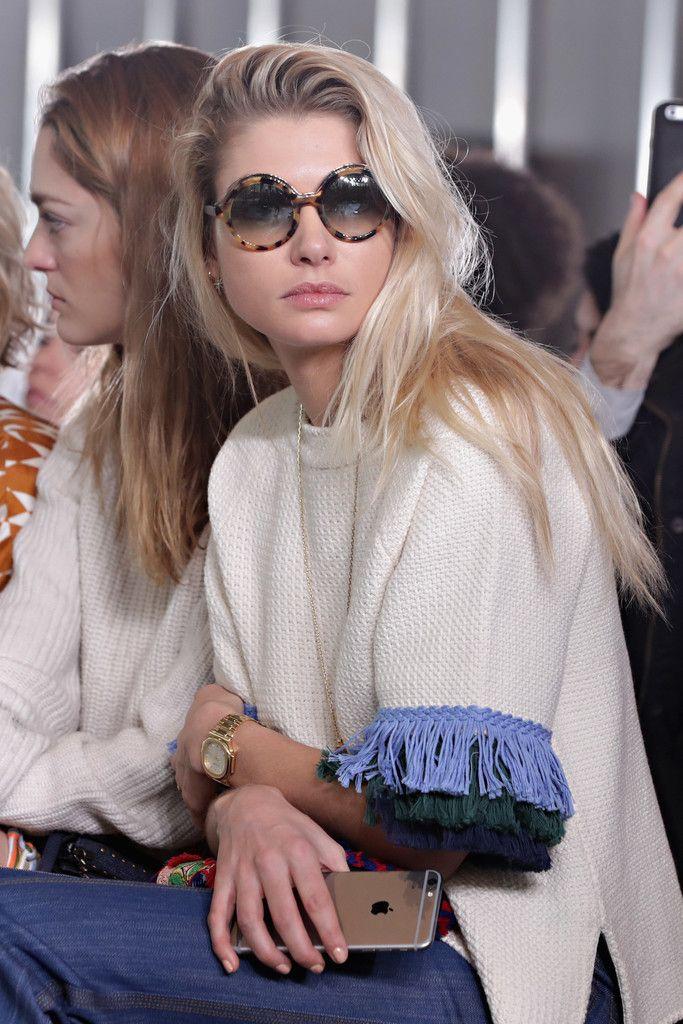 Jessica Hart Photos Photos - Tory Burch - Front Row - February 2017 - New York Fashion Week - Zimbio