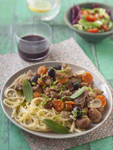 marrons, champignon de Paris, vin blanc sec, oignon, huile d'olive, porc, olive noire, herbes de provence, carotte