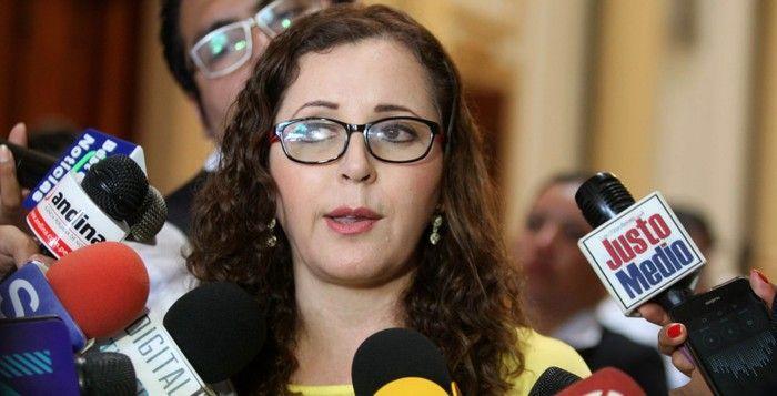 Una ex coordinadora del plan de gobierno de Fuerza Popular, también vinculada con los institutos superiores, aparece como la más ferviente defensora de la cuestionada iniciativa.