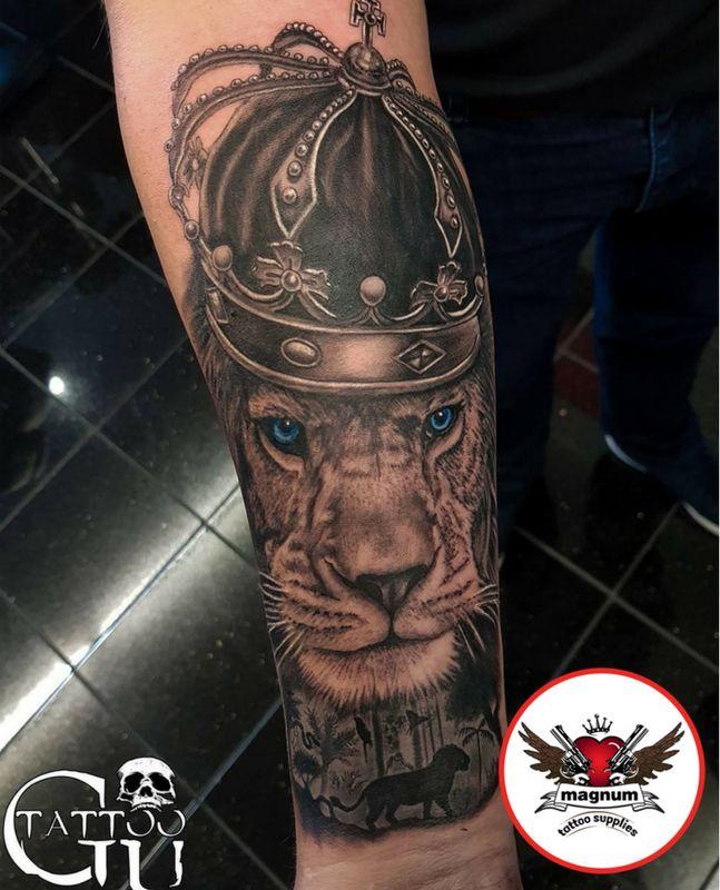 Brilliant lion piece done by Gavin Underhill!