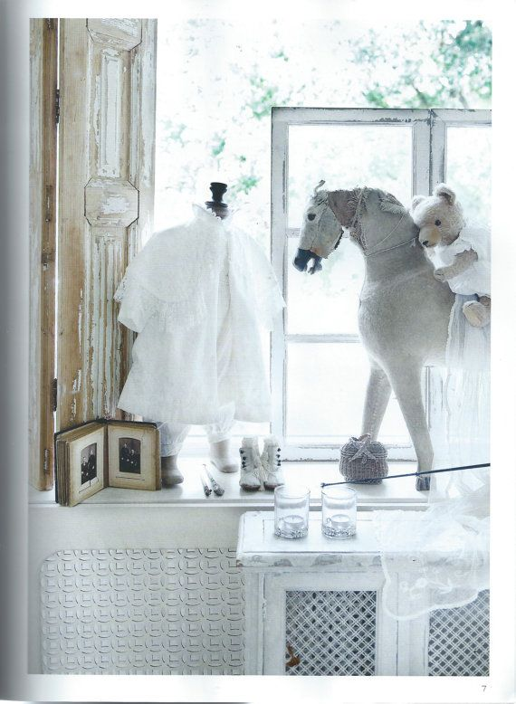 jeanne d 39 arc living magazine issue 8 august brocante style vintage clothes pinterest bear. Black Bedroom Furniture Sets. Home Design Ideas