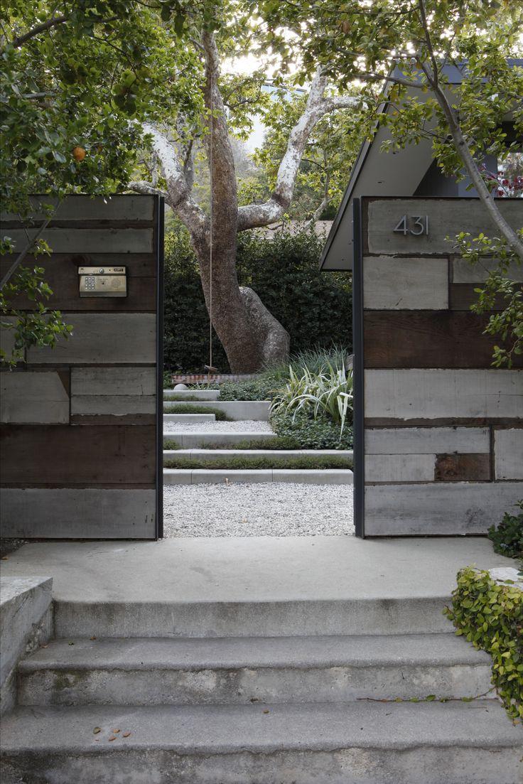Landscape Architect Visit: A Majestic Sycamore In A Santa Monica Garden:  Gardenista