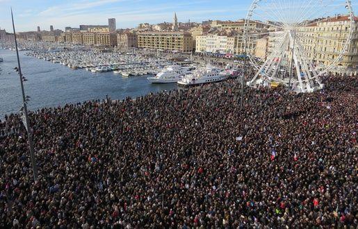 Marche républicaine: Plus de 60 000 personnes dans les rues de Marseille - 20minutes.fr