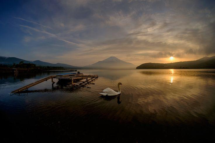 FUJIFILM X-E2 + SAMYANG 8mm/2.8   Mt.Fuji, Japan   https://www.facebook.com/FUJIFILMXseriesJapan   Photography by Hayato Ebihara   http://fujifilm-x.com/photographers/ja/hayato_ebihara/