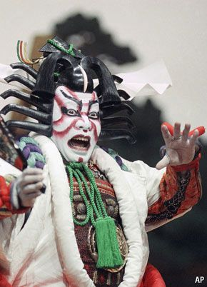 THE Kabukiza in Tokyo in Ginza is Japan's most famous theatre. #Kabuki