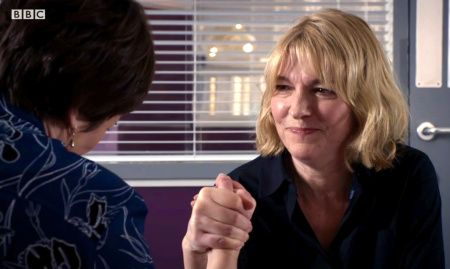 HolbyCity (18/31) Power struggle between Bernie (Jemma Redgrave) and Serena (Catherine Russell)