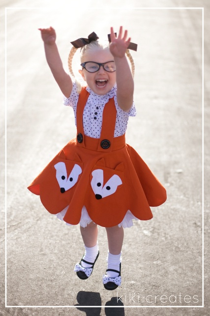 If this isn't the cutest little dress and cutie patootie I've ever seen!  Adorable!