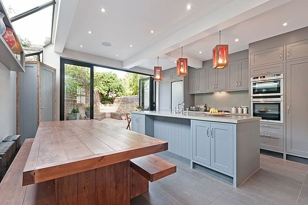 Fulham, SW6: a recently refurbished two-bedroom flat on the ground and lower ground floors, with an open kitchen/dining room leading to a patio garden at the rear of the flat... http://www.homesandproperty.co.uk/property_news/news/hothomeskitchens.html