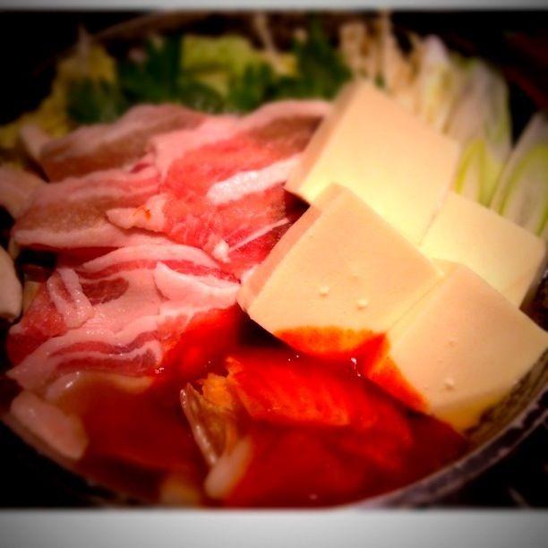 〆は卵入おじや(。 >艸<) - 44件のもぐもぐ - 豚肉キムチ鍋ヾ(◍'౪`◍)ノ゛ by yukari32