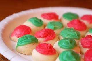 Christmas Meltaways ... said to literally melt in your mouth and be delicious!: Christmas Meltaway, Powder Sugar, Food Colors, Christmas Cookies, Melted Away Cookies, Melted Moments, Cream Cheese, Daisies Cooking, Liter Melted