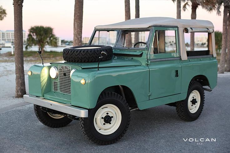 The Land Rover had Dunlopillo cushions, but the ripple-edged Tarmac and the pitted bends of Nassau's coastal road were tough on the springs and the quivering afternoon sun was a killer. By the time Bond found the sandy track . . .