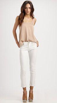 Женские укороченные джинсы. Кому подходят и с чем носить женские укороченные джинсы.