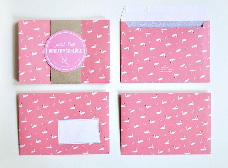Briefumschläge im 10er Set.  Schöne Briefumschläge, lachsfarben mit einem weißen Schwänen.  Dazu gibt es selbstklebende Etiketten, die beliebig...