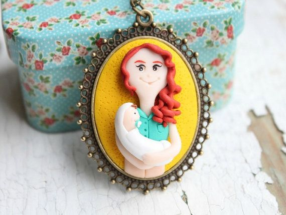 Mother and baby pendant - Polymer clay portrait - Mother's day gift - family portrait - baby shower gift - mother and baby custom portrait - personalized mother and baby portrait - cartoon portrait - from picture to 3D portrait - family sculpture - mother and baby necklace - mother and baby jewelry { by NicomadeMe on Etsy }
