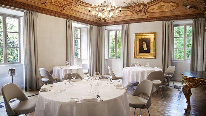 Di Guido Ristorante, il gioiello gastronomico condotto da Ugo Alciati che trova collocazione nella Villa Reale (l'edificio ottocentesco restaurato posto all'ingresso del parco secolare), troverete un ricco Reportage in Convivium.