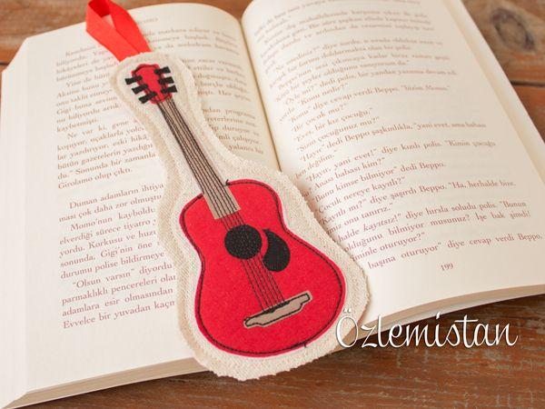 Gitara gönül vermiş kitap kurtları için kitap ayracı