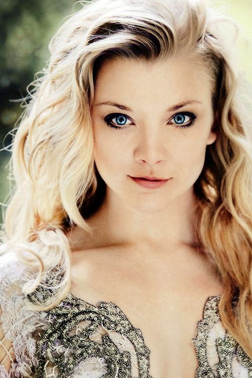 Natalie Dormer for People Magazine 2014, photographed by Simon Emmett. {credit} Love the hair and the dress as well. She looks great in it.
