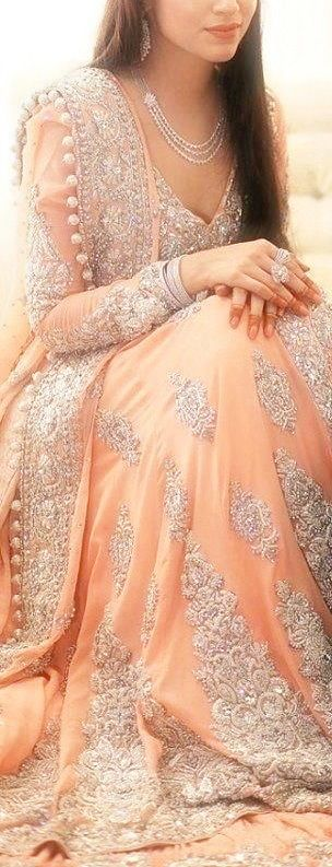 ♥ Lovely Peach Gown ♥    jαɢlαdy