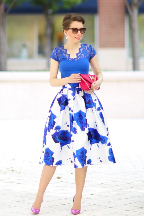 what makes a midi skirt irresistible? - red reticule A full, pleated midi skirt gives you a beautiful silhouette with that magical, retro glam vibe. If the skirt is textured or printed, there is not much else you need for styling since the skirt itself is going to be your best accessory.