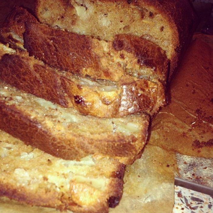 Heerlijke appel-speltcake. cake van 100% speltmeel met honing zonder suiker.