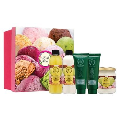 Γνωρίστε το Ice Cream Cube Set! Ένα κουτί γεμάτο χαρούμενα χρώματα, δροσιστικά & αναζωογονητικά αρώματα εσπεριδοειδών και προϊόντα περιποίησης μαλλιών! Εμπνευσμένο από το παγωτό σορμπέ, το #ice_cream_cube_set είναι το τέλειο δώρο για τα αγαπημένα σας πρόσωπα! Προνομιακή λιανική τιμή: 22,50€ από 40,40€ #paris_helene #cleo #vanilla_caramel_body_butter #body #hair #care #sorbet #icecream