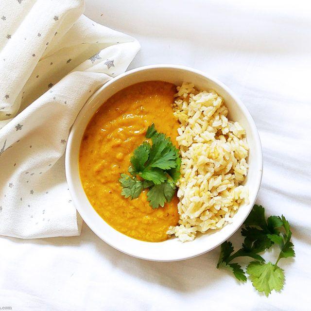 Dit Ayurvedische recept voor soep van bonen, winterpeen en komijn is heerlijk verwarmend, geschikt bij PDS, veganistisch en glutenvrij. Comfort food. Bowl.