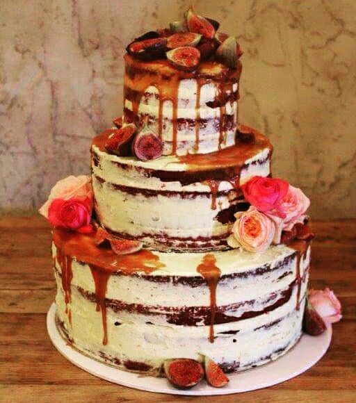 Fig and caramel naked cake #fig #caramel #nakedcake #seminakedcake #cake #flowers #wedding #weddingcake #winery #winerywedding