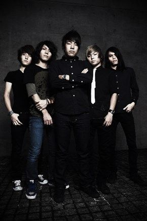 Crossfaith was formed in November of 2006 and the current lineup is Vocal/ Koie, Gt/ Kazuki, Ba/ Hiroki, Dr/Tatsu, Program, Vision/ Teru. Crossfaith is a band that evolutes metalcore / hardcore based aggressive songs with introducing strings and electronic sound effects to add catchy melody and unique structures of the songs.