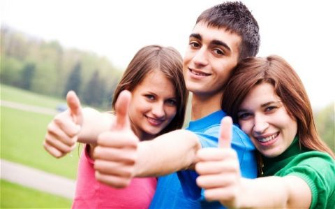 Teens 1 (TEENS1)  FREE English Course Sample Lesson for teenagers.    Teens 1 is a course designed for teenagers, taking them from Beginner to Intermediate level. It follows the modular approach which enables students to deal with topics in depth. Its multi-dimensional syllabus combines lexis, grammar structures, language functions, skills work and pronunciation.