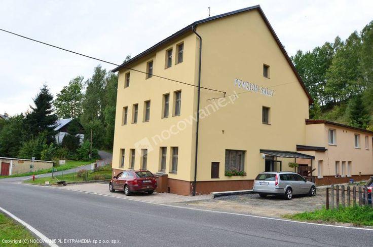 Penzion Sally w miejscowości Albrechtice v Jizerských horách to najbardziej znany ośrodek sportów zimowych w Górach Izerskich. Pensjonat oferuje zakwaterowanie w pokojach 1-4 osobowych, z wyżywieniem. Na terenie obiektu znajduje się plac zabaw i parking. Szczegóły oferty: http://www.nocowanie.pl/czechy/noclegi/albrechtice_v_jizerskych_horach/pensjonaty/142245/ #CzechRepublic #Nocowaniepl