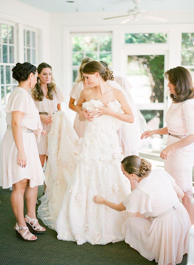 bride getting ready | Justin DeMutiis | Glamour & Grace