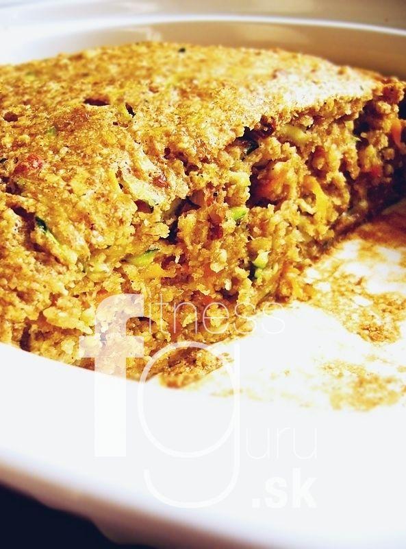 Vláčný cuketovo-mrkvový koláč