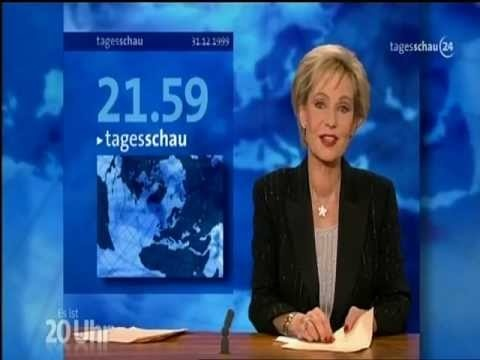 Happy birthday Tagesschau < http://de.wikipedia.org/wiki/Tagesschau_(ARD) >! Die erste wurde heute vor 60 Jahren, am 26. Dezember 1952, im NWDR-Fernsehen ausgestrahlt. http://www.faz.net/aktuell/feuilleton/medien/die-tagesschau-ist-60-stillstand-als-programm-12002625.html http://sz.de/1.1040589 http://stzlinx.de/4r1 #DasErste #ARD #TV #Nachrichten #Medien