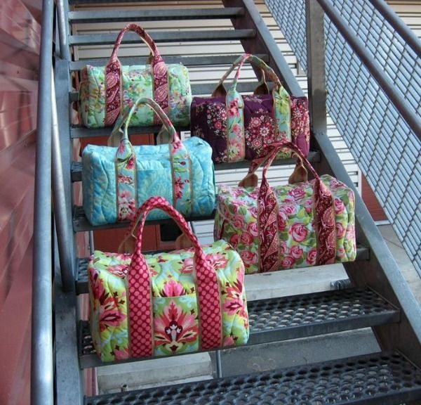 Blog post of Travel duffel Bags, pattern on Craftsy and lots of other bag patterns too.