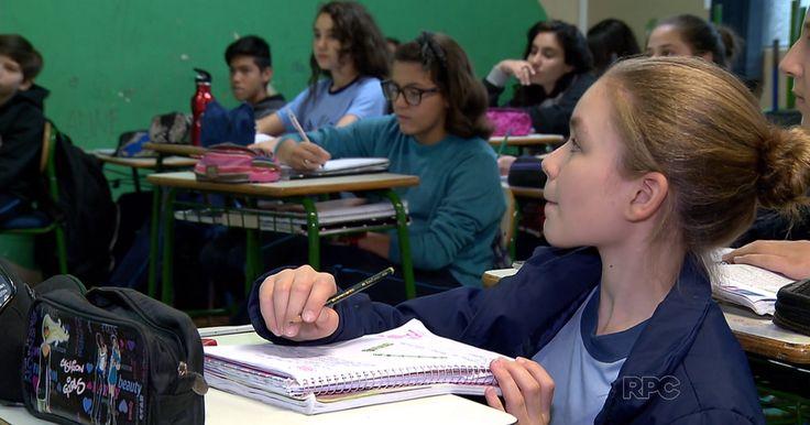 Governo do Paraná vai fechar escolas para economizar com aluguel em 2016