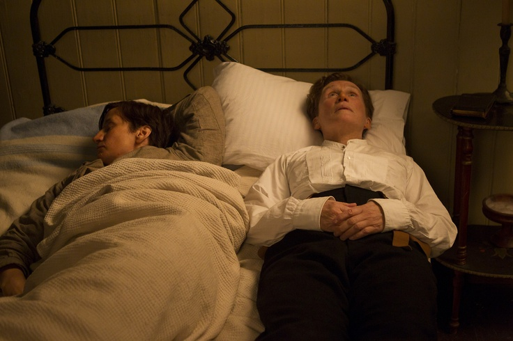 Janet McTeer & Glenn Close - Albert Nobbs (2011)