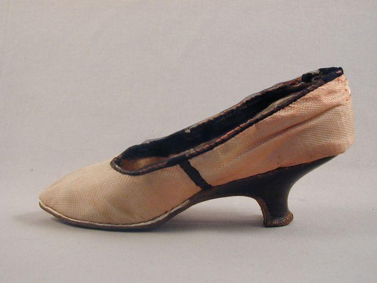 naisten kengät; silkkikengät, 1780-1789 | Varsinais-Suomen museot (Musketti) | Finna.fi