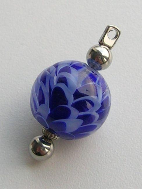 Handgemaakte glaskraal: Lotus kobalt    te koop via: http://shop.justadropofwater.nl
