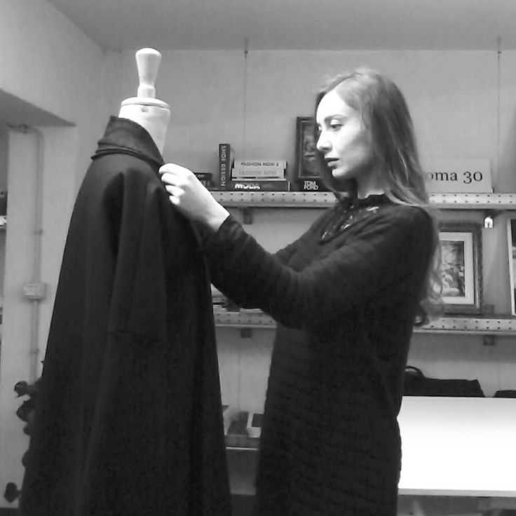 Aroma30 designer Michela Fasanella - Working on the tailor dummy